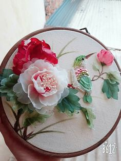 *RIBBON ART Tambour Embroidery, Embroidery Patterns, Silk Ribbon Embroidery, Embroidery Art, Embroidery Stitches, Ribbon Art, Diy Ribbon, Punch Needle, Embroidered Flowers