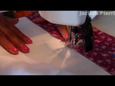 Colocando barrado em pano-de-prato de maneira rápida, simples e sem stress. How to put a Border on a Dish Towel in a fast and simple way, and without stress. Sewing Lessons, Sewing Hacks, Dish Towels, Tea Towels, Patch Quilt, Stress, Patches, Couture, Quilts