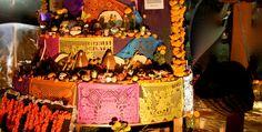 OFRENDAS DE DIA DE MUERTOS #GAIACULTURE En la ciudad, existen diferentes lugares interesantes a los que podemos asistir y disfrutar de las típicas ofrendas de Día de muerto.