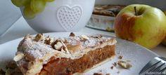 Jablkový koláč s karamelom a orechmi