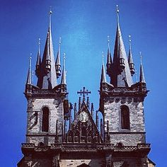 Just another beautiful castle in Prague. #castle #prague #czechrepublic #travel #europe #fairytale