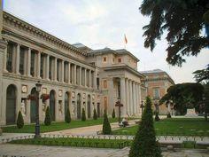 El Museo del Prado  es el mejor destino turístico en España. Está considerado el mejor museo de arte del mundo.Incluye obras de maestros como Goya, Caravaggio, Fra Angelico, Botticelli y Hieronymus Bosh.
