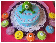 Torta y cupcakes Mickey Wazowski. / mickey wazowski cake and cupcakes.