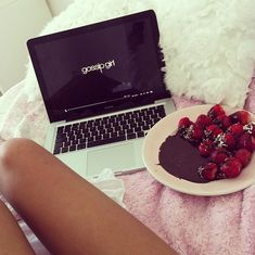 There is nothing better than lean legs, chocolate, strawberries & #GossipGirl!!!!♡♡♡