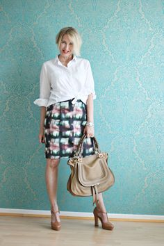 A fashion blog for women over 40 and mature women http://www.glamupyourlifestyle.com/ Blouse: Dorothee Schumacher Skirt: COS Shoes: Laura Bag: Chloé