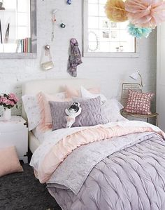 Add an instant touch of elegance to any kids' bedroom with our Modern Chic Bedding. This stunning bedding set features a quilt that's gathered and quilted for a truly delicate look. It even reverses to a gorgeous floral print. And the sheet set is made from super cozy 100% cotton percale.