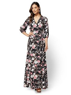 NY&C�s stunning maxi dresses are wardrobe essentials that�ll take you from lunch with friends to a night on the town. Browse maxi dresses on sale.