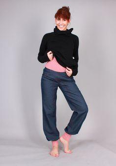 Jeans - bequeme Jeans-Hose Joy rot/gestreifte Bündchen - ein Designerstück von AgnesH bei DaWanda