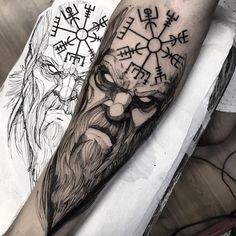 Viking do Gustavo ganhador do sorteio que fiz no Facebook. muito obrigado Gustavo Feito na @inkonik_tattoo_studio #electricink