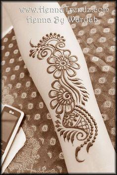 Party henna design: