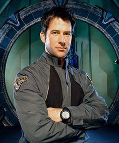 Joe Flanigan as Col. John Sheppard wearing a black Suunto Vector watch.