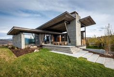 rustikal modernes haus in wyoming pultdach glasfenster