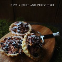 Game of Thrones: Arya's Fruit and Cheese Tart - Feast of Starlight Game Of Thrones Food, Game Of Thrones Party, Game Of Thrones Cookbook, Tart Recipes, Dessert Recipes, Cooking Recipes, Desserts, Cooking Games, Cooking Classes