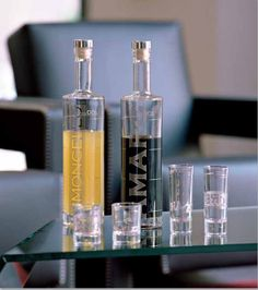 A great gift idea that you're friends and family will love. Liquor bottles and shot glasses labelled in Italian. Only at  tuscanhills.com