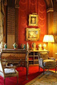 Waddesdon Mano r, Buckinghamshire Victorian Interiors, French Interiors, Red Interiors, House Interiors, English Interior, Antique Interior, Traditional Interior, Classic Interior, Hall House
