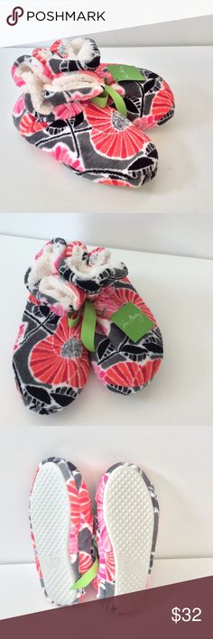🆕 Vera Bradley Slipper Booties NWT Soft & plush Vera Bradley slippers in Cherry Blossoms. New with tags. Size. med, fits 7-8 🎀Bundle discount  ⭐️5 star rated Suggested User 🚭Smoke free home 🚫No trades please  😍 Thank you for shopping with me. Please ask all questions before purchase Vera Bradley Shoes Slippers