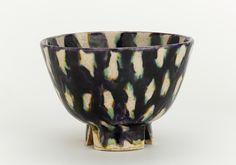 Tea bowl (chawan) Edo period, 1840-1860,      Porcellaneous stoneware with lead glazes