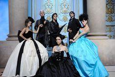 Solal (Mozart's father), Mikelangelo Loconte (Mozart), Florent Mothe (Salieri), Maeva Meline (Mozart's sister), Melissa Mars (Aloysia Weber) and Claire Perot (Constance Weber)