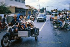 44 Fascinating Color Photographs That Capture Street Scenes of Chiang Mai, Thailand in 1984