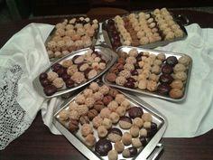 Mmm! Quina castanyada mes dolça. Panellets d'ametlla, de xocolata, de cafe, amb codonyat, buff bonisims