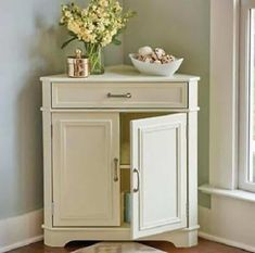 There are several different designs of dresser. One of the most popular is a corner dresser. If you want to buy a corner dresser, you need to choose the right ones. Corner Linen Cabinet, Corner Dresser, Diy Corner Shelf, Small Cabinet, Corner Accent Table, Accent Tables, White Storage Cabinets, Cabinet Storage, Cabinet Ideas