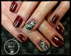 Flower accent nail art