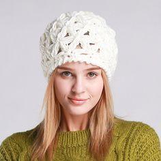 20e96aa5ff5 A knitted beanie in triangular knit