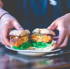 Salmon Burgers, Action, Ethnic Recipes, Instagram, Food, Group Action, Essen, Meals, Yemek