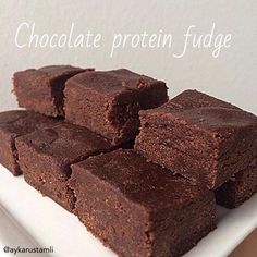 Chocolate Protein Fudge (chocolate better than PB)