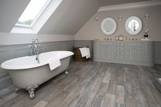 Roll top Bath and Twin Washstand. Neptune