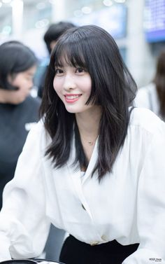 Uploaded by TaeYeon Kim. Find images and videos about kpop, momo and cute girl on We Heart It - the app to get lost in what you love. My Hairstyle, Cool Hairstyles, Medium Hair Styles, Short Hair Styles, Two Color Hair, Asian Short Hair, Hirai Momo, Aesthetic Hair, Grunge Hair