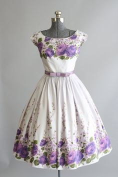 Vintage 1950s Dress / by TuesdayRoseVintage could be for a beautiful dress for a guest so cute #algarveweddings