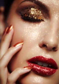 pinterest | shelby_taylor11 | sparkly holiday make-up