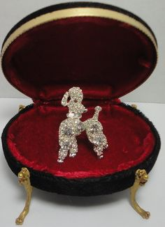 Vintage silver tone and Crystal Poodle Dog Brooch. by Cosasraras
