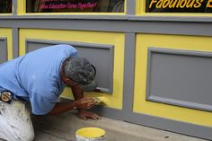 We are expert painters & offer high-quality residential painting services, house painting services & indoor, outdoor house paintings in USA. Exterior Paint Colors For House, Paint Colors For Home, Diy Home Decor Projects, Home Improvement Projects, House Painter, Painting Contractors, Painting Services, Color Psychology, Health And Safety