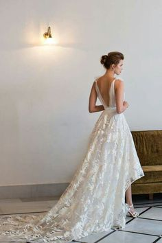 Gorgeous waterfall hem on this Riki Dalal Haute Couture dress >> http://cnbrides.co.uk/3Oa1bw