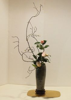 les bouquets - Art floral japonais Arrangements Ikebana, Flower Arrangements, Bouquets, Art Floral, Deco, Bonsai, Tablescapes, Wedding Colors, Tropical