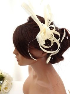Stunning Cream Net Bow & Feather Hair Comb Slide Fascinator Bridal Wedding Races
