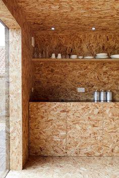 Nice use of OSB Oriented Strand Board Modern Interior Design, Interior Architecture, Chipboard Interior, Osb Plywood, Osb Board, Oriented Strand Board, Barn Kitchen, Crazy Kitchen, Kitchen Units