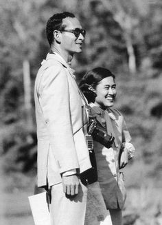 Father and daughter King Phumipol, King Rama 9, King Of Kings, King Queen, King Of The World, King Of My Heart, In This World, King Picture, King Photo