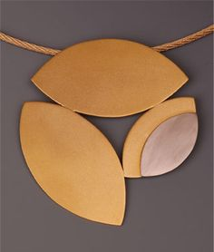 18k gold & palladium white gold pendant on gold cable