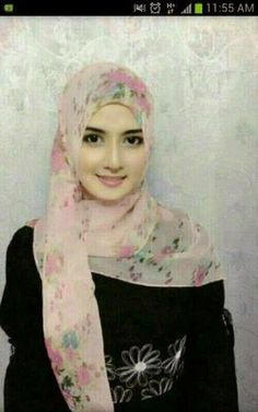 Pin Image by Bunda Hijaber Beautiful Girl Image, Beautiful Hijab, Simply Beautiful, Beautiful Women, Hijabi Girl, Girl Hijab, Hijab Niqab, Mode Hijab, Muslim Girls