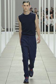 Dior Homme Spring-Summer 2013 Paris Men's Fashion Week ~Suited Armour Runway Fashion, Fashion Show, Mens Fashion, Fashion Design, Paris Fashion, Men Store, Get Dressed, Spring Summer Fashion, Ready To Wear