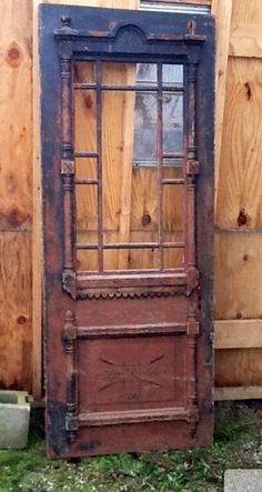 Victorian queen Ann style door. I need one or need to recreate one for our front door!!! Love