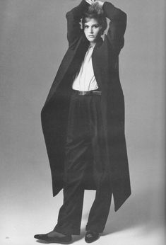 This is a wonderful Fashion editorial from VOGUE November featuring the shorter and the longer, wider/leaner, smoother/furrier, louder/quieter, midday and midnight guide to the. Look 80s, 80s And 90s Fashion, Androgynous Fashion, Models, Fashion History, Editorial Fashion, Fashion Beauty, Womens Fashion, Winter Fashion