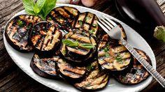 La mejor parte de cocinar vegetales a la parrilla es que extraes sus sabores de manera delicada mientras conservas sus texturas y propiedades nutritivas.