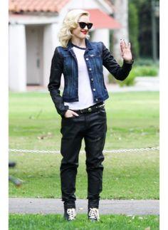 Gwen Stefani    Look de star Boyfriend    Même au parc avec ses enfants la chanteuse est sylée !