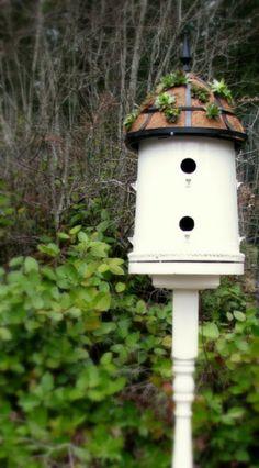 Leuk+vogelhuis+om+zelf+te+maken+van+een+plastic+bloempot.