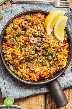Recept voor: paella / vegetarische paella / vegetarisch / gemakkelijk / easy / eenpansgerecht / one pot dish / risotto / groenten / zomer / rijst #hellofresh #maaltijdbox #recept #recepten #avondmaal #lekker #tasty #best #rijst #paella #vegetarisch #veggie #vegetarian #onepotdish #risotto #rijst #gemakkelijk #easy Good Healthy Recipes, Clean Recipes, Veggie Recipes, Vegetarian Recipes, Dinner Recipes, Vegetarian Paella, Go Veggie, Hello Fresh Recipes, Rice