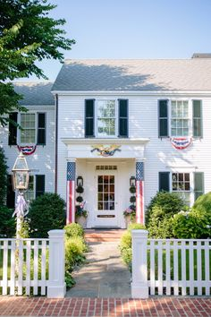 Martha's Vineyard Edgartown Travel Guide including where to stay, eat, shop, and explore